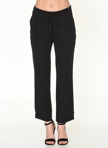 Selen Çizgili Bol Paça Pantolon Siyah